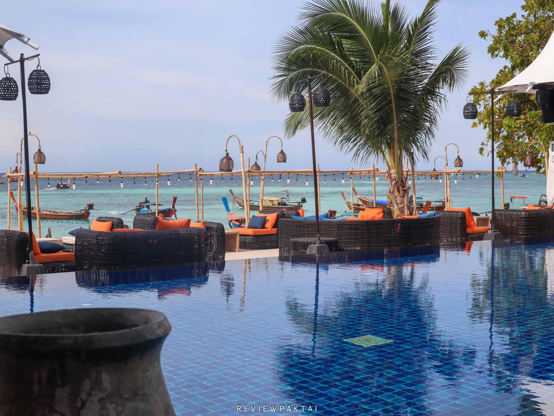 อีกหนึ่งไฮไลท์คือสระว่ายน้ำที่ติดริมทะเลครับ akira,lipe,สตูล,เกาะหลีเป๊ะ,ที่พักหลีเป๊ะ,ที่พักสตูล