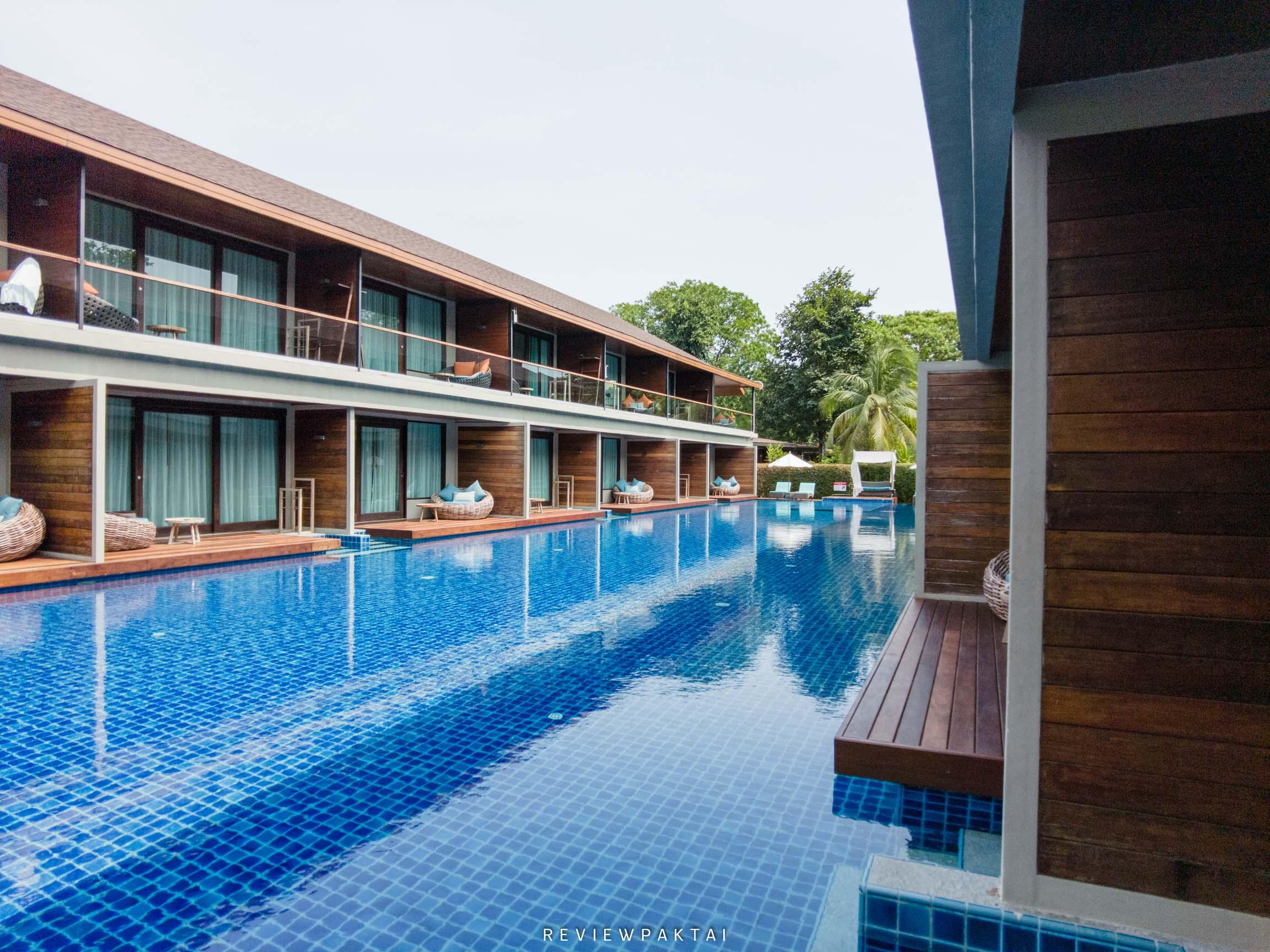 ไฮไลท์ทีเด็ดคือห้อง-Pool-Access-ปังๆที่เดินออกมาก็พบสระว่ายน้ำเลย akira,lipe,สตูล,เกาะหลีเป๊ะ,ที่พักหลีเป๊ะ,ที่พักสตูล